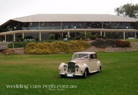 mulberry-swan-caversham-wedding-car